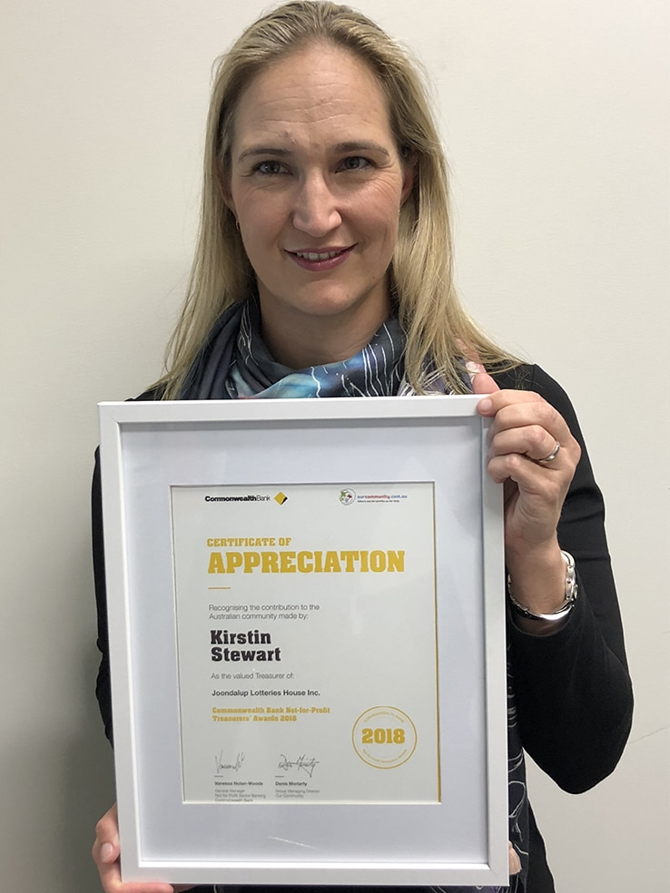 Kirstin with JLH Certificate